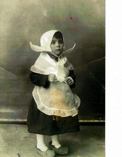 Margarita casas rebate 1927